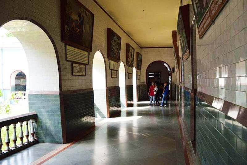 Bandel Church inside