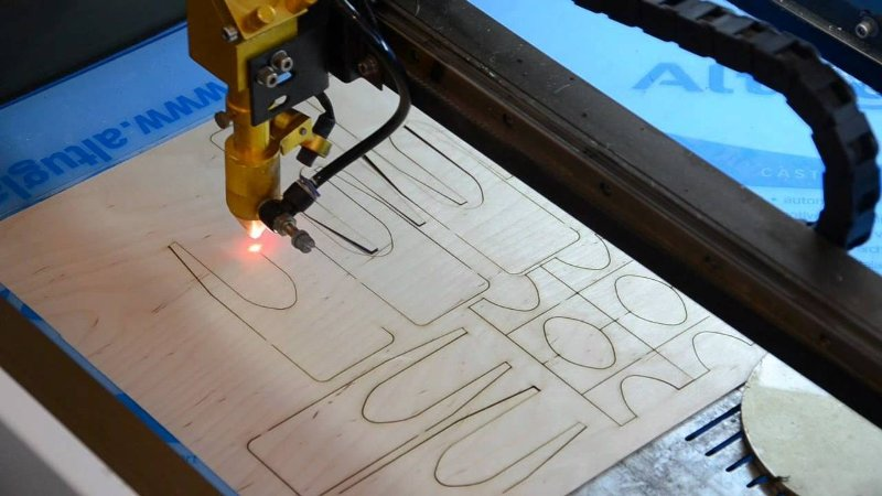 Laser cutting board