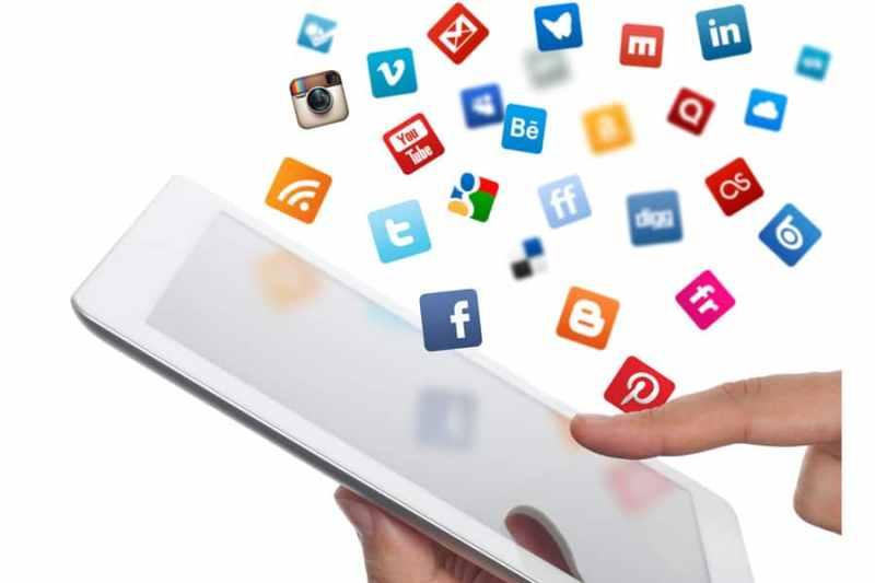 6 Signs of Social Media Addiction